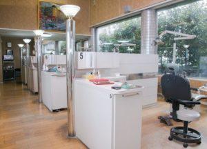 岩橋歯科医院 (2)