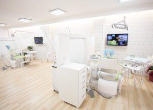 さかえ歯科医院 (3)